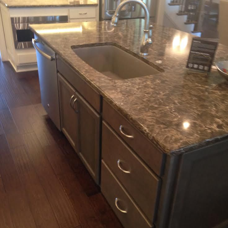 Kitchen Cabinet, Island   HomeCrest Cabinetry, Lautner Maple French Vanilla  With Brownstone Glaze Perimeter