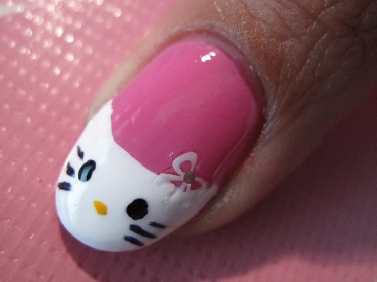 Ken je die leuke Originails nagellakjes die je nu kunt sparen bij PLUS? Ik heb er m'n eigen nail art mee gemaakt! Daarmee maak ik kans om Queen Originails 2013 te worden en fantastische prijzen te winnen. Bekijk m'n nail art inzending en stem!