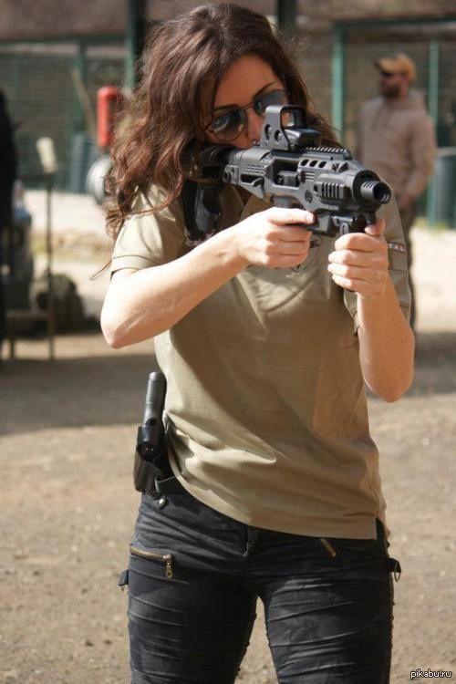 sekigan:  Девушки с оружием бывают привлекательными