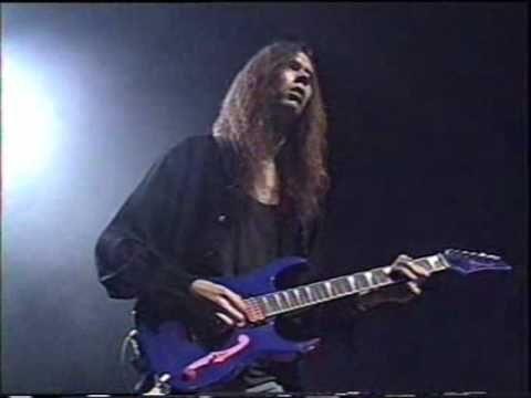 ▶ Paul Gilbert amazing guitar solo - YouTube