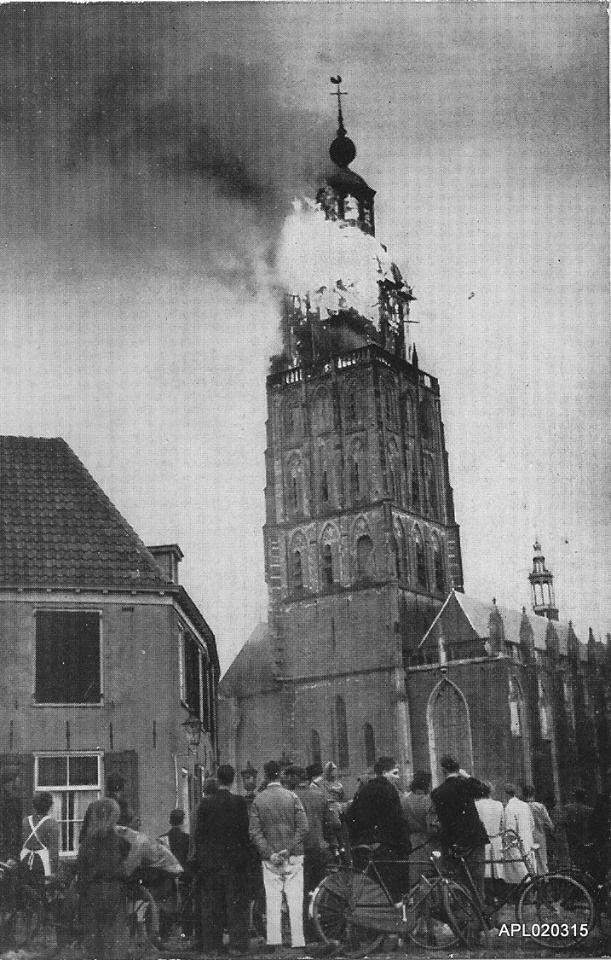 St. Walburgkerk, Zutphen brand 1948