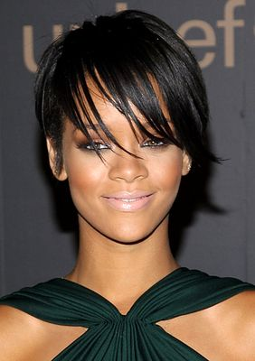 Remarkable 1000 Ideas About Rihanna Short Haircut On Pinterest Black Bob Short Hairstyles For Black Women Fulllsitofus