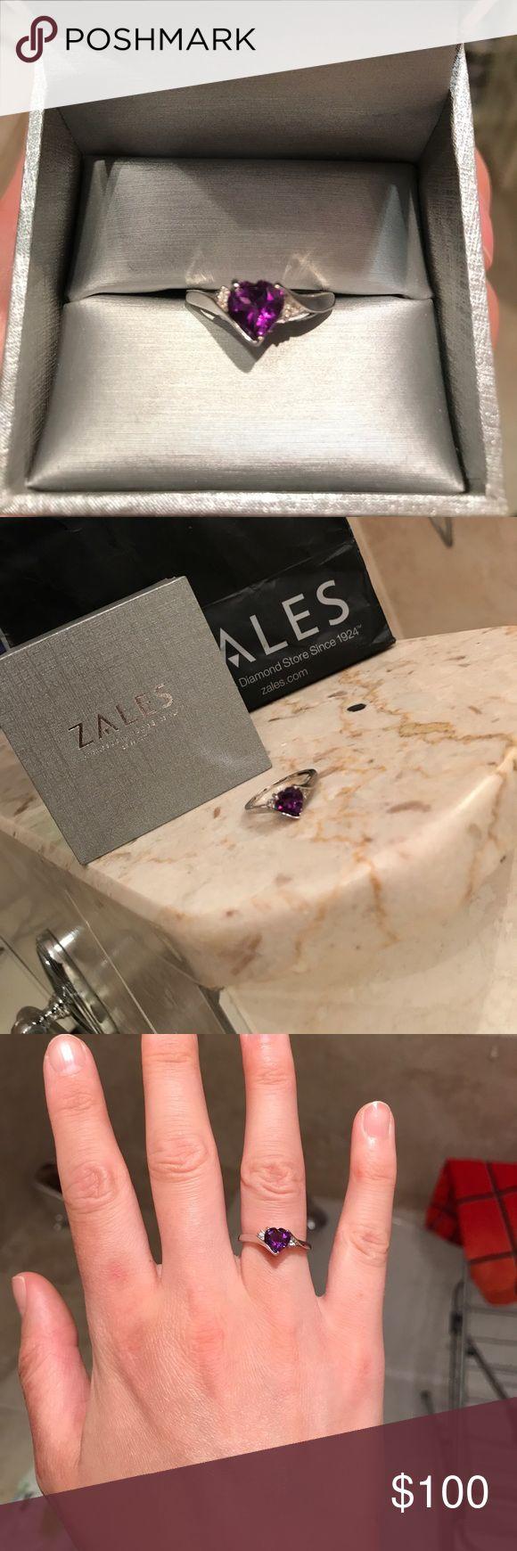 !SALE! 10k Purple Heart ring from Zales Beautiful 10k ring! Zales Jewelry Rings