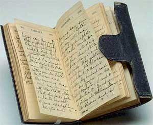 Il diario, datato 1862, di Sophia Peabody (1809-1871), moglie di Nathaniel Hawthorne. La coppia scrisse anche un diario di nozze a quattro mani. Più tardi i loro figli inserirono schizzi e disegni tra le pagine trasformandolo in un vero e proprio quadro di famiglia. Lo stesso Hawthorne compilò molti diari nel corso della sua vita. «La lettera scarlatta» nacque proprio da uno di questi