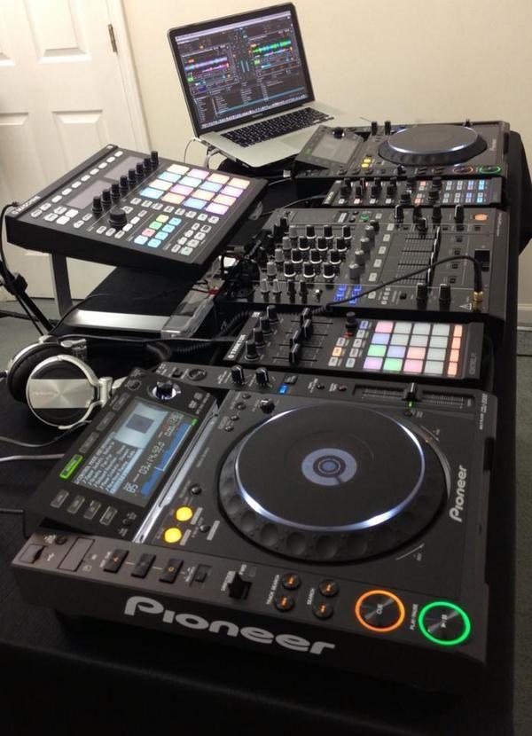 90 besten musikstudio dj live equipment bilder auf pinterest musikproduktion musikstudios. Black Bedroom Furniture Sets. Home Design Ideas