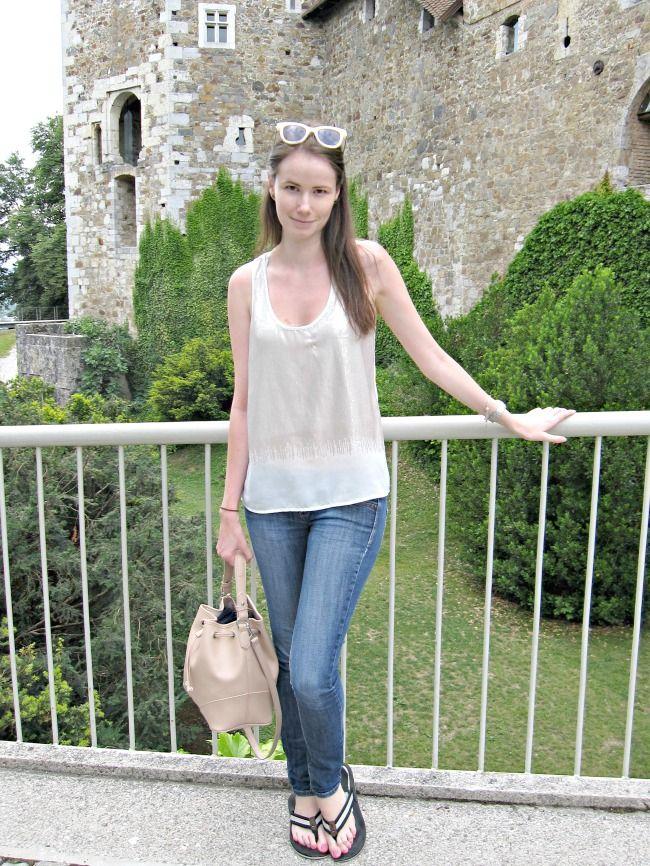 Stiletto in the Cloud: Skinny Jeans & Flip-Flops