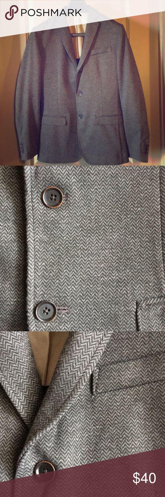 Mens sport coat Grey herringbone sport coat, shell is polyester rayon spandex blend, half lined, soft shoulders, 3 buttons, a lightweight casual sport coat Banana Republic Suits & Blazers Sport Coats & Blazers