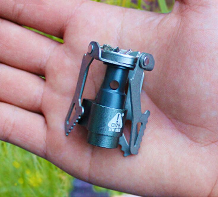 Get this lightweight titanium metal burner stove for your next camping trip or backpacking adventure. Easy to use and all you need is gas and you are ready to go. Only offered in limited time! descrip