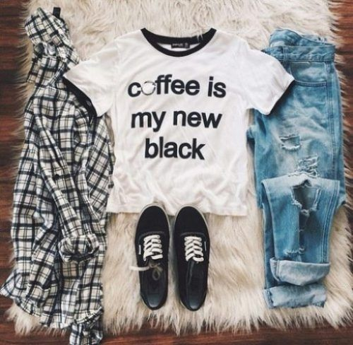 fall back to school outfit- Back to school outfit ideas http://www.justtrendygirls.com/back-to-school-outfit-ideas/