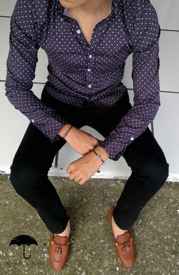High Fashion Oufit by Tiendas Platino   Moon & Rain Mexico High Fashion Men, Mens Boots Fashion, Male Fashion, Professional Attire, Basic Outfits, Well Dressed Men, Dapper, Shirt Designs, Street Style