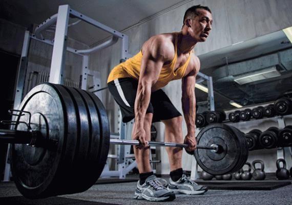 Stronglifts 5x5 | Já conhece o programa de treino stronglifts 5x5? Fique a conhecer melhor aquele que é um dos programas mais populares do mundo do treino com pesos.