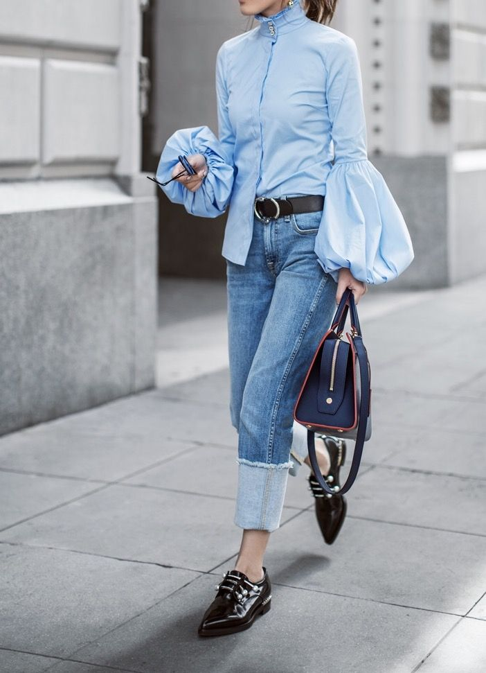 Oversized shirt with denim jeans, these trousers have become the iconic wardrobe staple for a very good reason Spring Summer street style women.