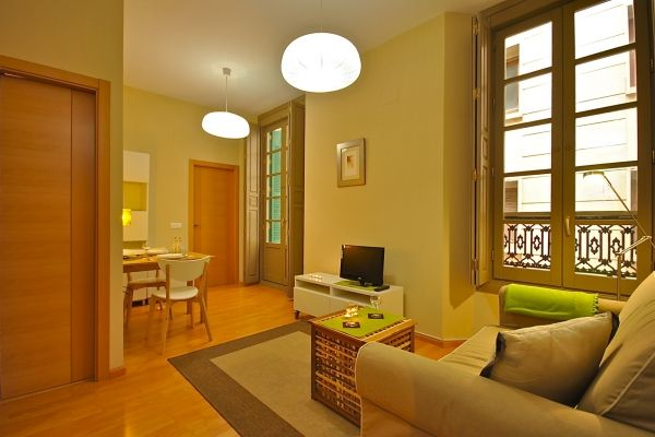 Malaga, Spain Vacation Rental, 1 bed, 1 bath, kitchen. Thousands of photos and unbiased customer reviews, Enjoy a great Malaga apartment rental perfect for your next holiday. Book online!