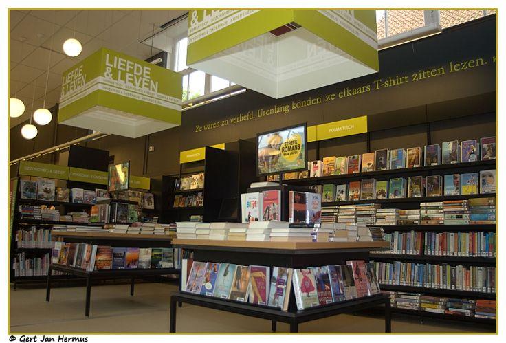 17 beste afbeeldingen over bibliotheek retailformule op pinterest winkel design boekhandels - Muur bibliotheek ...