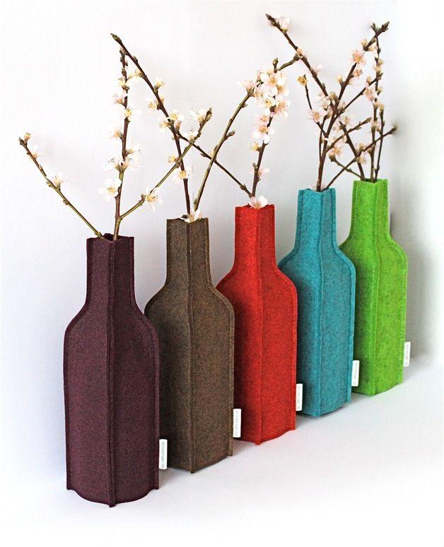 earhty colors on dawanda.com Vases – Blomvaassie: mixed brown felt – a unique product by Tierentaai on DaWanda