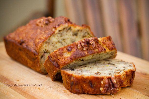 Bourbon Banana Walnut Bread #bananaBread #bourbon #quickBread