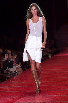Ready to Wear Collection Spring   Versus   Photos free Versace run purplemintwhite Vogue