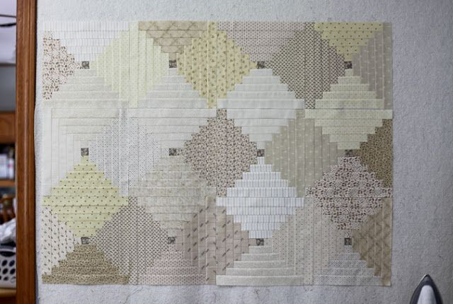 Neutral Courthouse Steps Quilt from Blue is Bleu