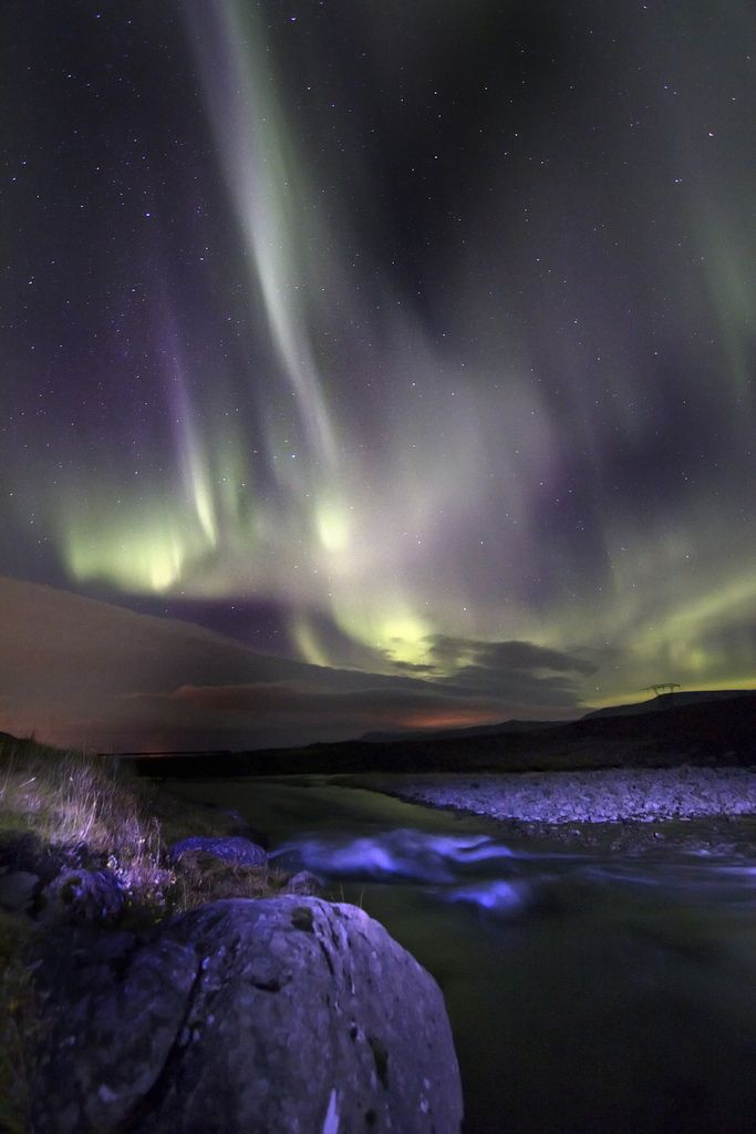 Northern lights in Iceland (by Tryggvi...