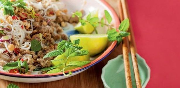 Glass noodles with spicy pork and mint