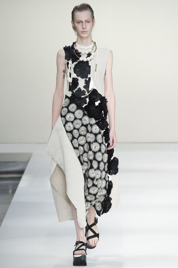 Marni Spring 2015 Runway. See the whole collection on Vogue.com.