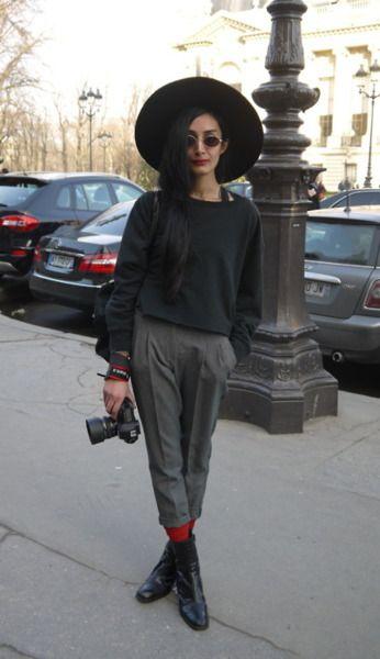 Nadia Sarwar - Elegant teacher style - flat shoes, trousers, hat // Autum/winter style