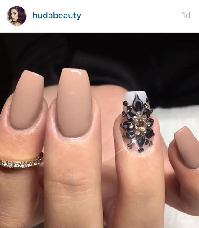 Tan nails with glitter - Huda Kattan #Matte #HudaBeauty
