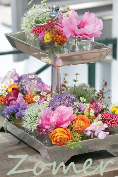 Zomer! met bloemen. Heerlijk he! Ook zo'n liefhebber van zomerse bloemen, volg ons op Facebook! We praten dagelijks over seizoensbloemen en inspireren je graag!