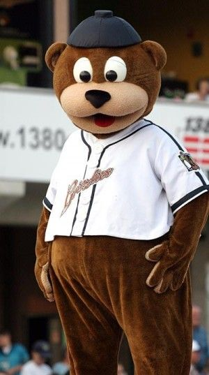 Gateway Grizzlies (@Cathleen Green Grizzlies) Mascot Izzy. #GatewayGrizzlies #Mascots