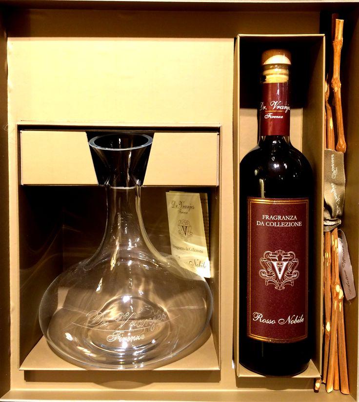 Dr. Vranjes Rosso Nobile rinkinys su dekanteriu ir vynuogių šakelėmis.  Rosso Nobile ir kitus Dr. Vranjes patalpų aromatus rasite mūsų galerijoje Kaune, M. Valančiaus g. 10  #DrVranjes #RossoNobile #homefragrance #fragrance