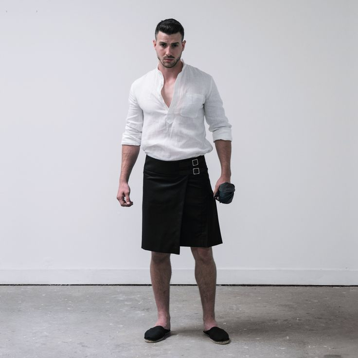 The Kilt retains the staple pleating of its highlander heritage, fastened by horn buttons and black ...
