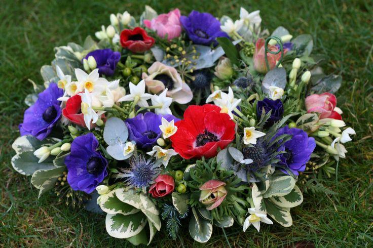 Anemone wreath www.thestockbridgeflowercompany.co.uk