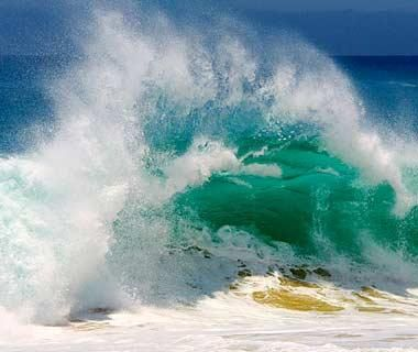 Waves as exhilarating as Calyx.