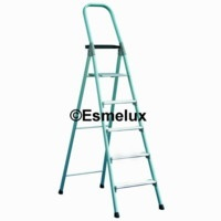 Escalera de aluminio Plegable MG https://www.esmelux.com/escaleras-de-aluminio-outlet