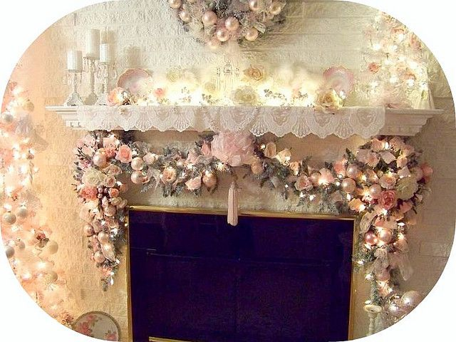 Tis' time to start decorating pretties! What do you think of this mantle decor? #PrettyLiving www.prettylivingpr.com