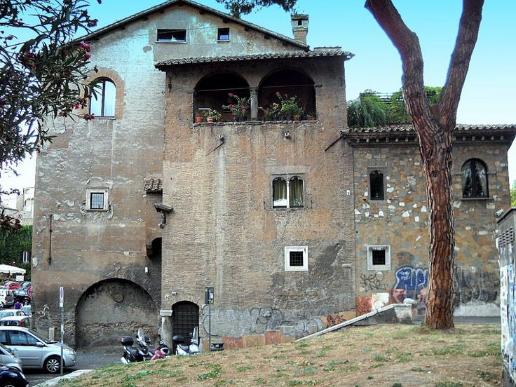 Casa dei Mattei - Piazza in Piscinula - area Trastevere