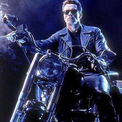 Das antigas! As motocas que fizeram sucesso no cinema, veja mais no blog:http://blog.fisgo.com.br/2012/03/05/as-motos-antigas-que-fizeram-sucesso-dentro-e-fora-do-cinema/