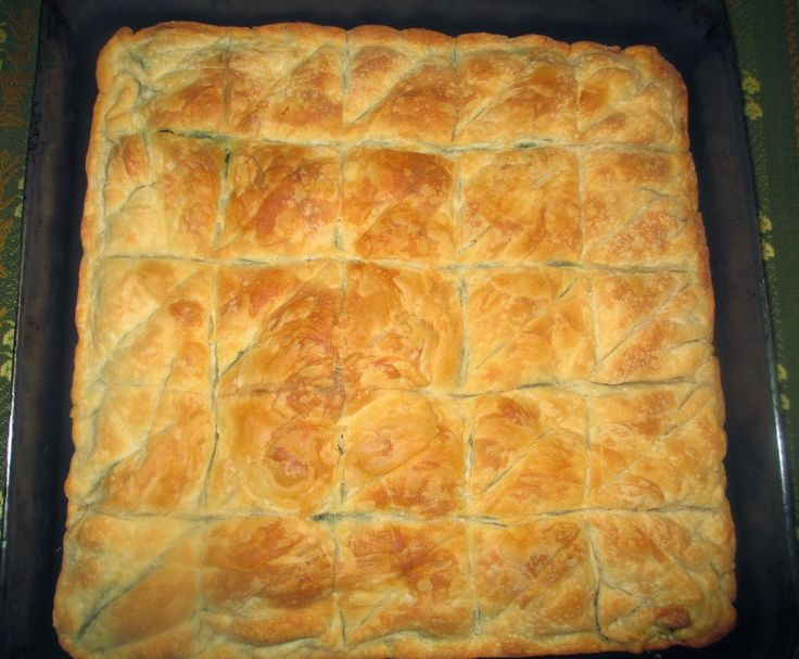Η σπανακόπιτα της Ελένης Μία πίτα τραγανή, εύκολη και διαφορετική από τις άλλες, αφού είναι δια χειρός Ελένης.