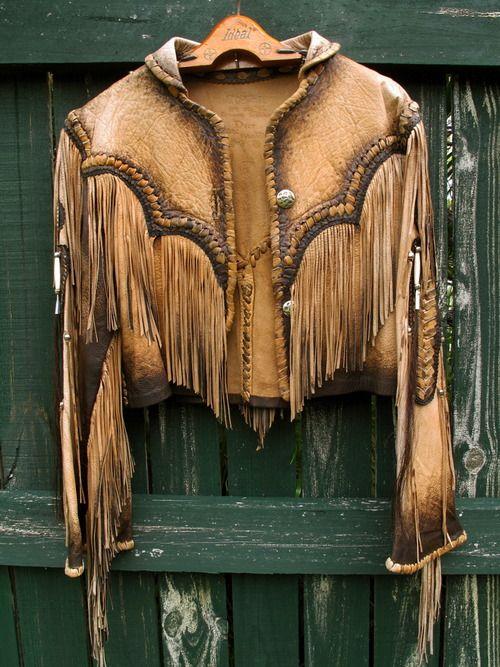 my fav jacket … photo: A+V SHOP ART + VINTAGE HERE: https://www.facebook.com/pages/ArtVintage/143979685750485
