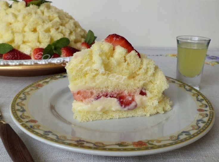 Torta mimosa fragole e limoncello ricetta