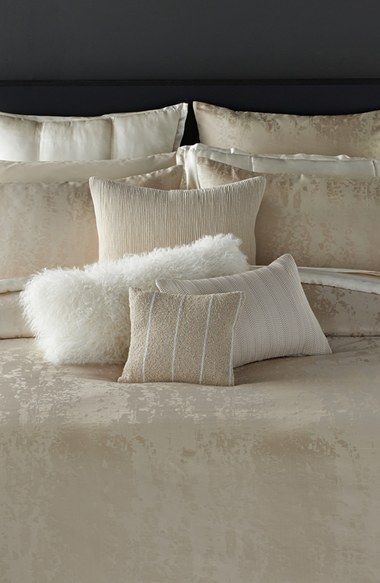 Free shipping and returns on Donna Karan New York 'Moonscape' Duvet Cover at Nordstrom.com. Shimmery and champagne-hued, this patterned jacquard duvet is equal parts comfort and luxury, and is versatile enough to lend understated elegance to a variety of décors.