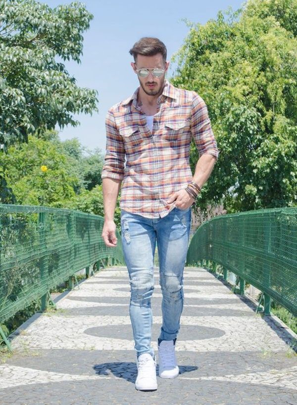 Most Hottest Men's Jeans Styles to Follow These days0351