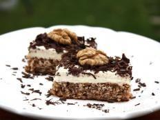 Overené recepty na výborné zákusky. Pripravte si chutné koláče a zákusky podľa receptov slovenský žien.