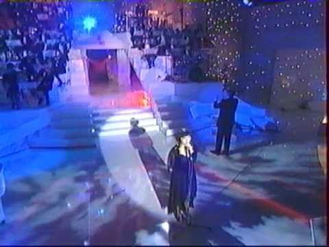 Mireille Mathieu - Exodus - YouTube