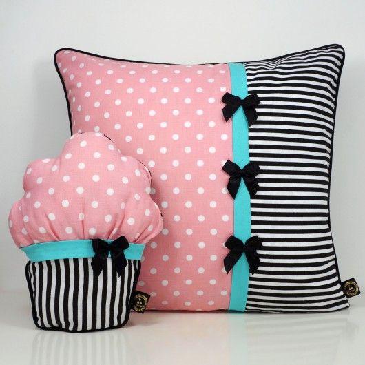 dodatki - poduszki, poszewki-Poduszka i mufinka różowa