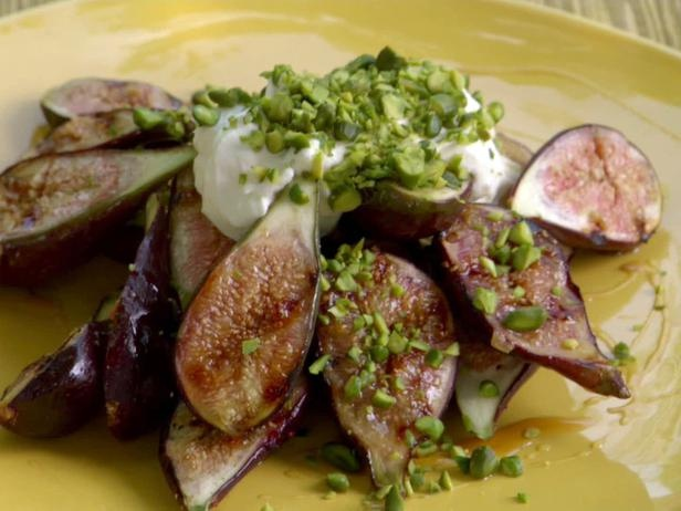 Grilled Honey-Orange Figs with Mascarpone and Pistachios | Recipe