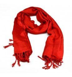 Flot tørklæde i en skøn rød farve med frynser - PSH-1401