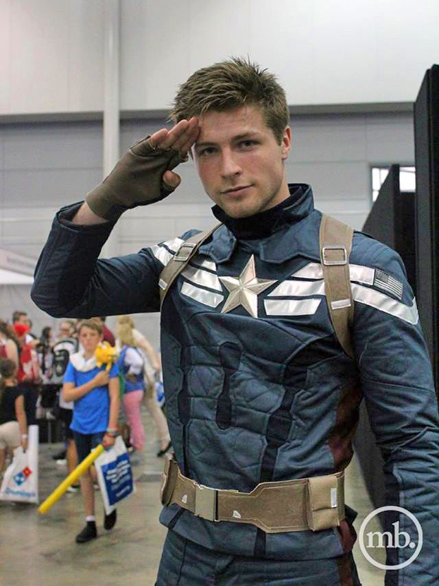 Character: Captain America (Steve Rogers) / From: MARVEL Studios 'Captain America: The Winter Soldier' / Cosplayer: Kyle Parmley Cosplay