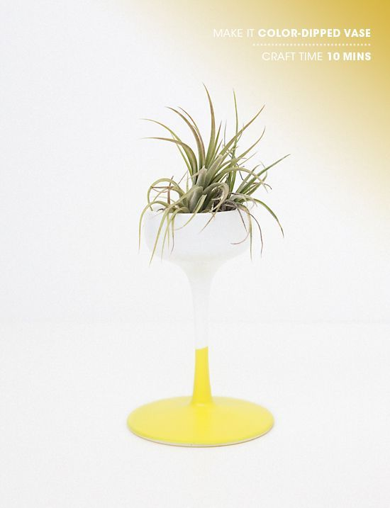 DIY color dipped vase: Idea, Candlesticks, Candles Holders, Air Plants, Diy Gifts, Plants Holders, Planters, Colors Dips Vase, Wine Glasses