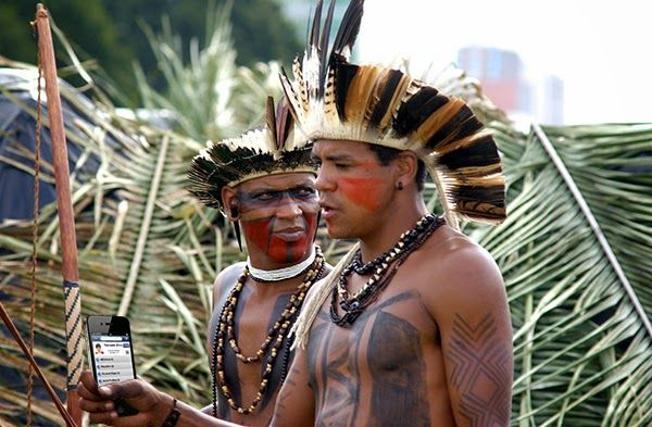 Forscher entdecken abgelegenen Regenwaldstamm, der noch immer iPhone 3GS verwendet